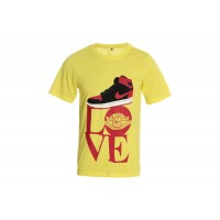 Air Jordan 1 Black Varsity Red Shoe Yellow TShirts